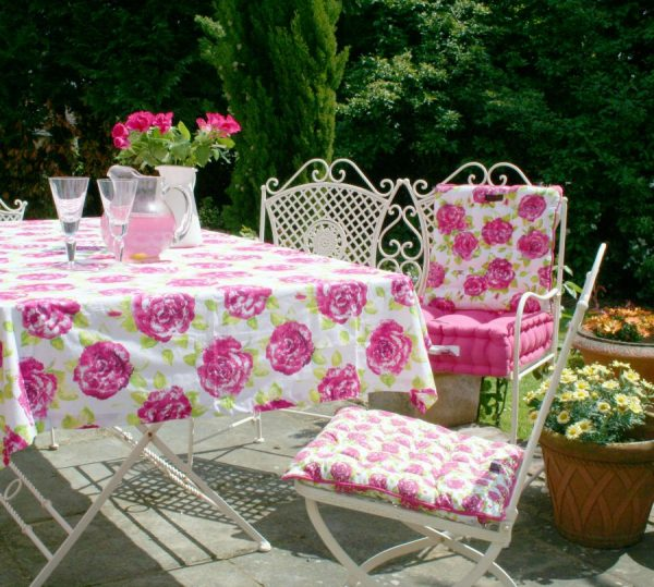 Tessa pink white rose tablecloth large size