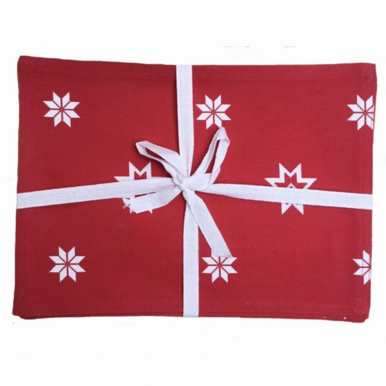 christmas red placemat giftwrapped